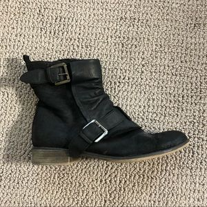 Boutique 9 Buckle Booties Size 8
